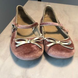 Girls pink velour shoes